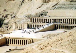 Храм Хатшепсут в Дейр Эль-Бахари