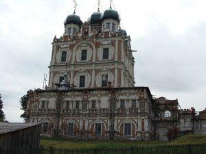 Введенский собор в Сольвычегодске (1689–1693, освящен в 1712)