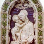 Роббиа, Андреа делла Мадонна каменщиков 1475-1480 134 x 96 см Терракота, эмаль Флоренция. Национальный музей Барджелло