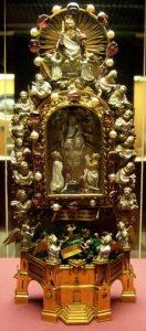 Мощи Святого Эпина (хранятся в Британском музее)