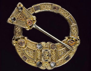 Кельтская брошь Хантерстоун, ок. 700 г.