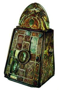 Реликварий колокола св. Патрикия. Ок. 1100 г. (Национальный музей Ирландии, Дублин)
