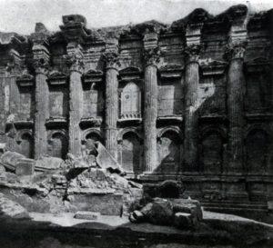 Малый храм (храм Вакха) в Баальбеке. Северная стена целлы. Середина 2 в.