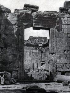 Большой храм (храм Юпитера) в Баальбеке. Портал. 1 в.