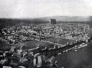 Тимгад. Основан в 100 г. Общий вид города.