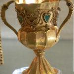 Золотой потир с гранатами и бирюзой; Сокровище Гурдона; Кабинет медалей, Париж.
