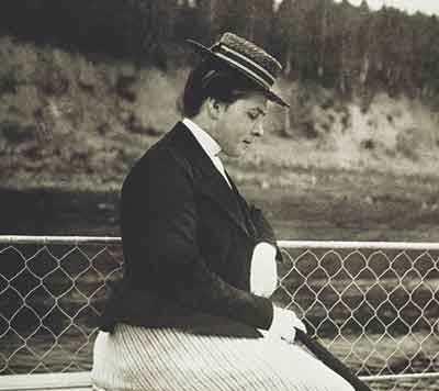 В. А. Серов. Девочка с персиками. 1887 г. Москва, ГТГ