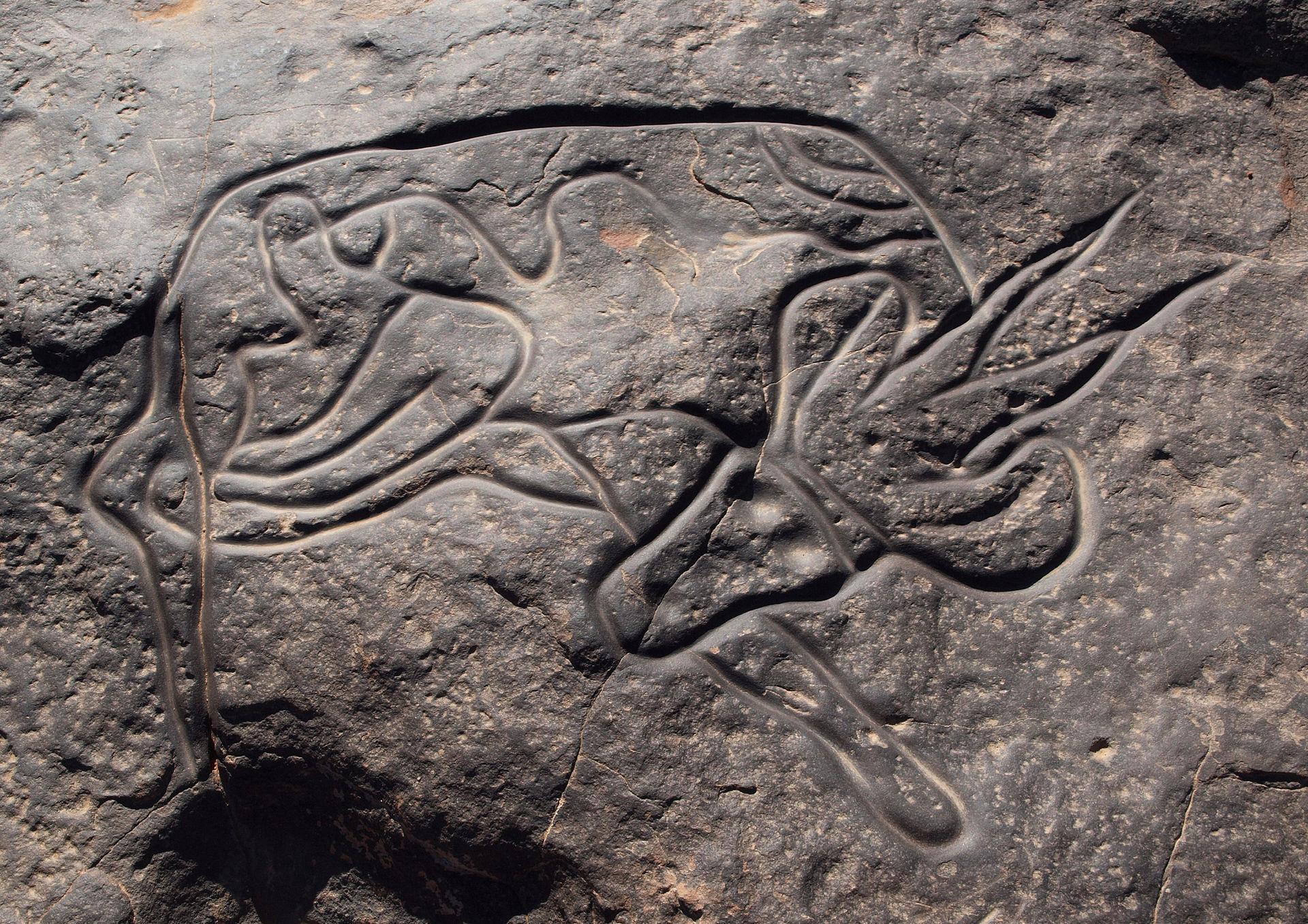 Наскальное изображение лежащей антилопы или газели. Тин-Тагирт, Тассилин-Аджер