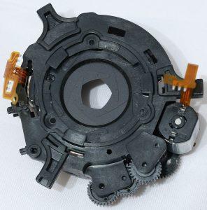 Электромагнитный исполнительный механизм прыгающей диафрагмы объектива Canon EF