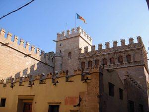 Валенсийская шёлковая биржа или Рынок шёлка – великолепная Лонха-де-ла-Седа (Lonja de la Seda)