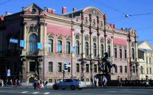 Ранняя эклектика А. И. Штакеншнейдера — частный дом-дворец Белосельских-Белозерских в Санкт-Петербурге