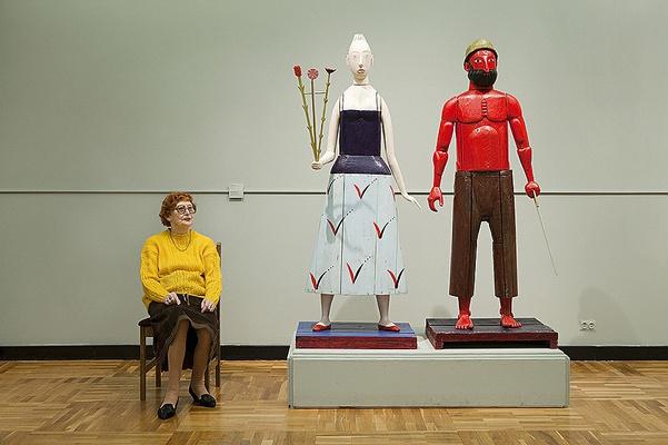 Кто смотрит за смотрителями — фотопроект «Смотрительницы» показывают в Петербурге