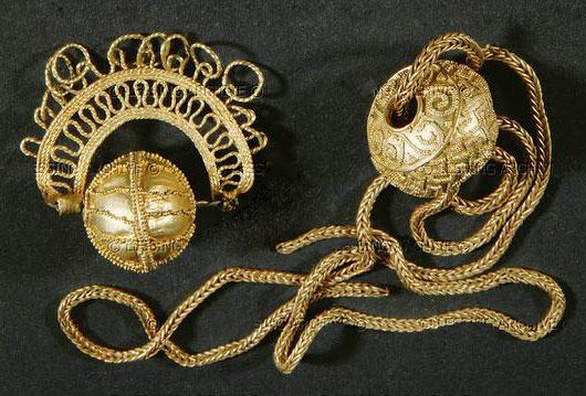 Золотые бусины - кулоны, хальштатская культура, 6 век до н.э. Швейцарский национальный музей, Цюрих
