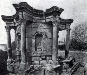 Круглый храм в Баальбеке. Середина 3 в