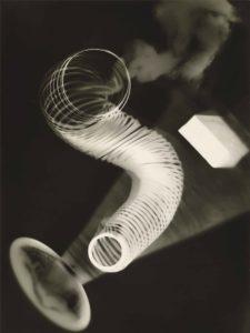 Ман Рэй, 1922, Безымянная райография, фотолаборат из желатинового серебра, 23,5 x 17,8 см