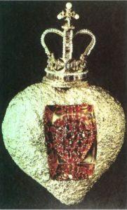 Королевское сердце. Золото, рубины, бриллианты, изумруды, жемчуг, пульсирующий механизм . 1951-52