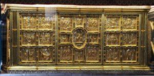 Золотой алтарь (824-859) в базилике Сант-Амброджио в Милане