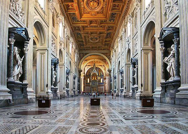 Интерьер базилики, результат работы Борромини