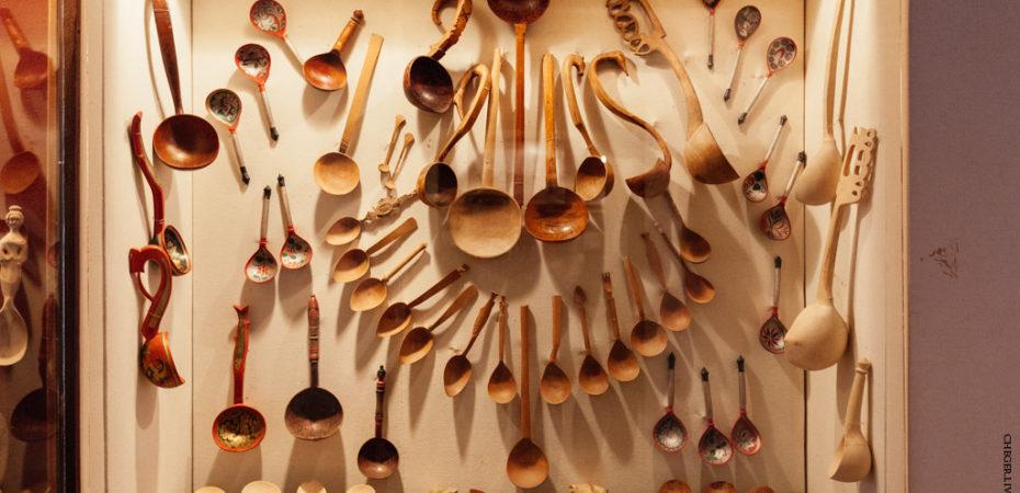 Традиционная русская деревянная ложка: техники, сюжеты, виды орнамента, центры изготовления