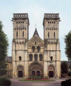 Монастырская церковь Сент Трините в Кане