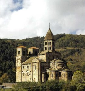 Монастырская церковь в Сен Нектэр