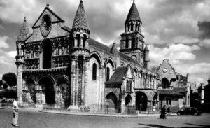 Нотр-Дам-ла-Гранд в Пуатье