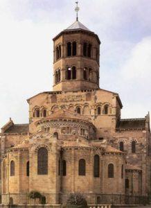 Церковь Сен Поль в Иссуаре