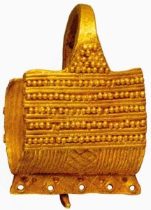 Серьга в форме корзиночки. 2400 - 2300 до н. э. Золото. Греция
