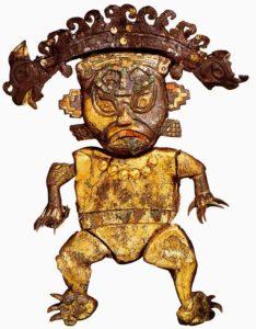 Статуэтка кошкообразного божества. 100 - 700 н. э., Америка. Медь, красная раковина, бирюза, самоцветы; позолота. Национальный археологический музей Брунинг. Ламбайеке, Лима