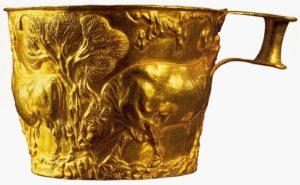 Чаша из Вафио. 15 век до н. э. Золото; чеканка. Высота 8 см. Национальный музей, Афины